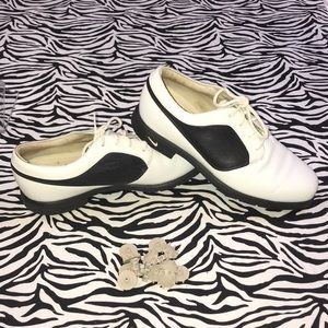 Nike Air Golf White Leather Shoes Spikes 7.5 cleat